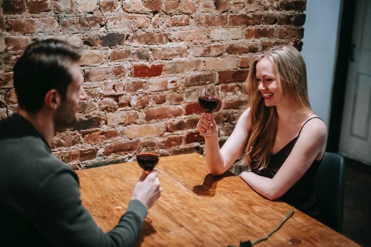 dating drinking wine